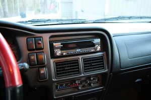 Jenson VM9412 installed in an Isuzu Vehicross